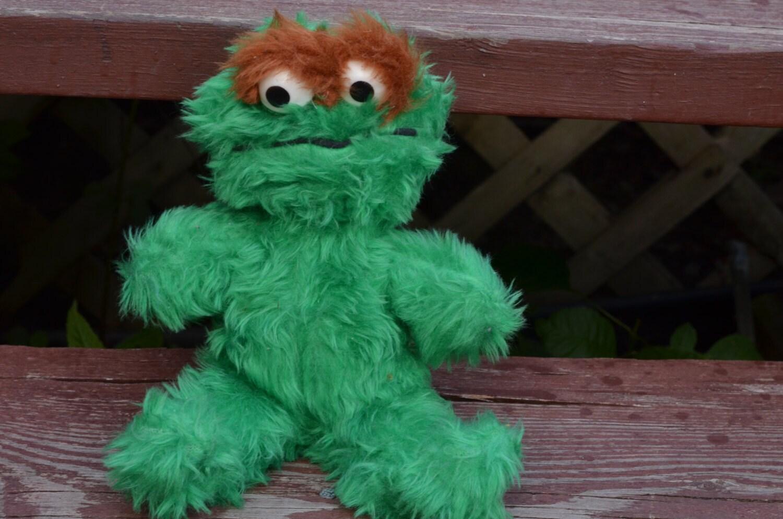 70s Oscar The Grouch Plush Stuffed Animal Doll Wind Up Musical
