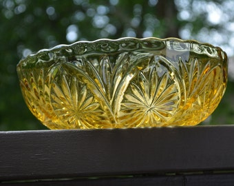 Vintage Glass, Serving Dish, Amber Serving Bowl, Vintage Glass, Anchor Hocking, Stars and Cameo, Holiday Table
