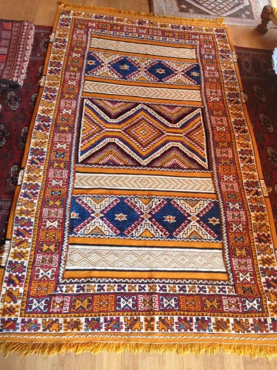tapis marocain tapis berb re multi technique vintage avec la. Black Bedroom Furniture Sets. Home Design Ideas