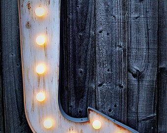 Marquee Arrow - Curved (Relic // Patina // Fun Fair Sign & Light // Vintage themed // Wedding // Distressed // Home lighting)