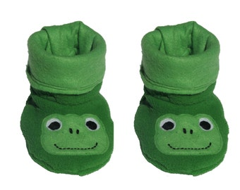 PDF Frog Fleece Baby Booties pattern, two layers, Baby Shoes PATTERN