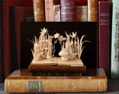 Postcard Book sculpture Alice in wonderland n-1