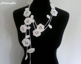 Crochet Rose Necklace,Crochet Neck Accessory, Flower Necklace, White, 100% Cotton.