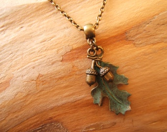 Oak leaf & 3D acorns pendant necklace. Antique bronze with green patina. Pagan, wicca  jewelry