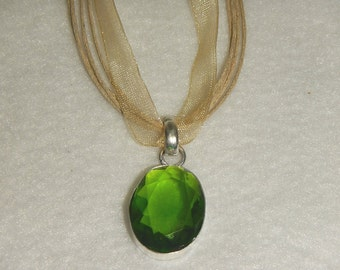 PAY IT FORWARD - Green peridot pendant necklace set in .925 sterling silver (P044-1)