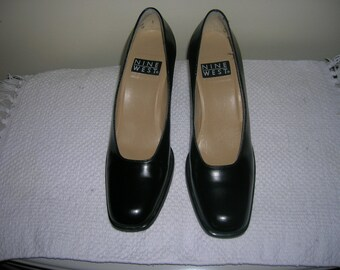 Nine West Pumps Black from the 90's