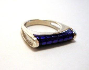 Silver Ring with Purple Epoxy Inlay 1980s - Size 5 - vintage sterling dainty delicate ring 925 violet 1970s 1980s purple victorian jewelry