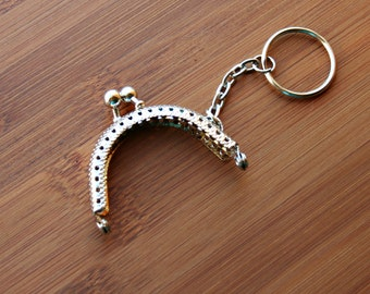 1 Kiss Lock Purse Frame in Silver with Key Chain – 5cm (2'')