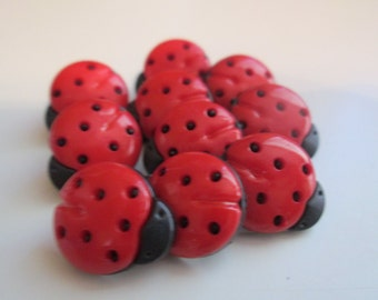 Children's new buttons. Red and black lady bug plastic lot 10 (57)