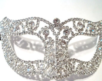 Full Rhinestone Masquerade Mardi Gras Metal Filigree Mask in Silver with Clear Crystals