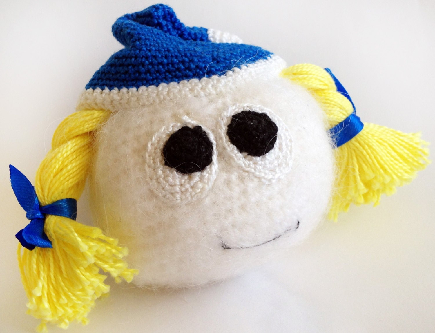 Crochet Amigurumi Smiley Faces : Christmas gift Smile Snowmaiden Crochet amigurumi smiley
