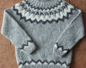Icelandic wool sweater. Lopapeysa. Handmade.