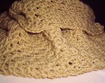 Tan infinity scarf made with acrylic yarn.  Wam and chunky scarf.  Makes a great gift.  Christmas gift, birthday gift.