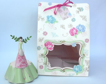 Meri Meri Love in the Afternoon Cake Boxes. FREE P&P