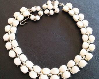 Vintage Necklace Pendant Choker Milk White Glass Bead Molded Silver Tone 416