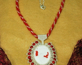 Beaded Flapper Cameo Necklace