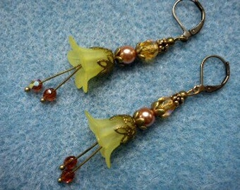 Vintage Inspired Yellow lucite Flower Earrings.