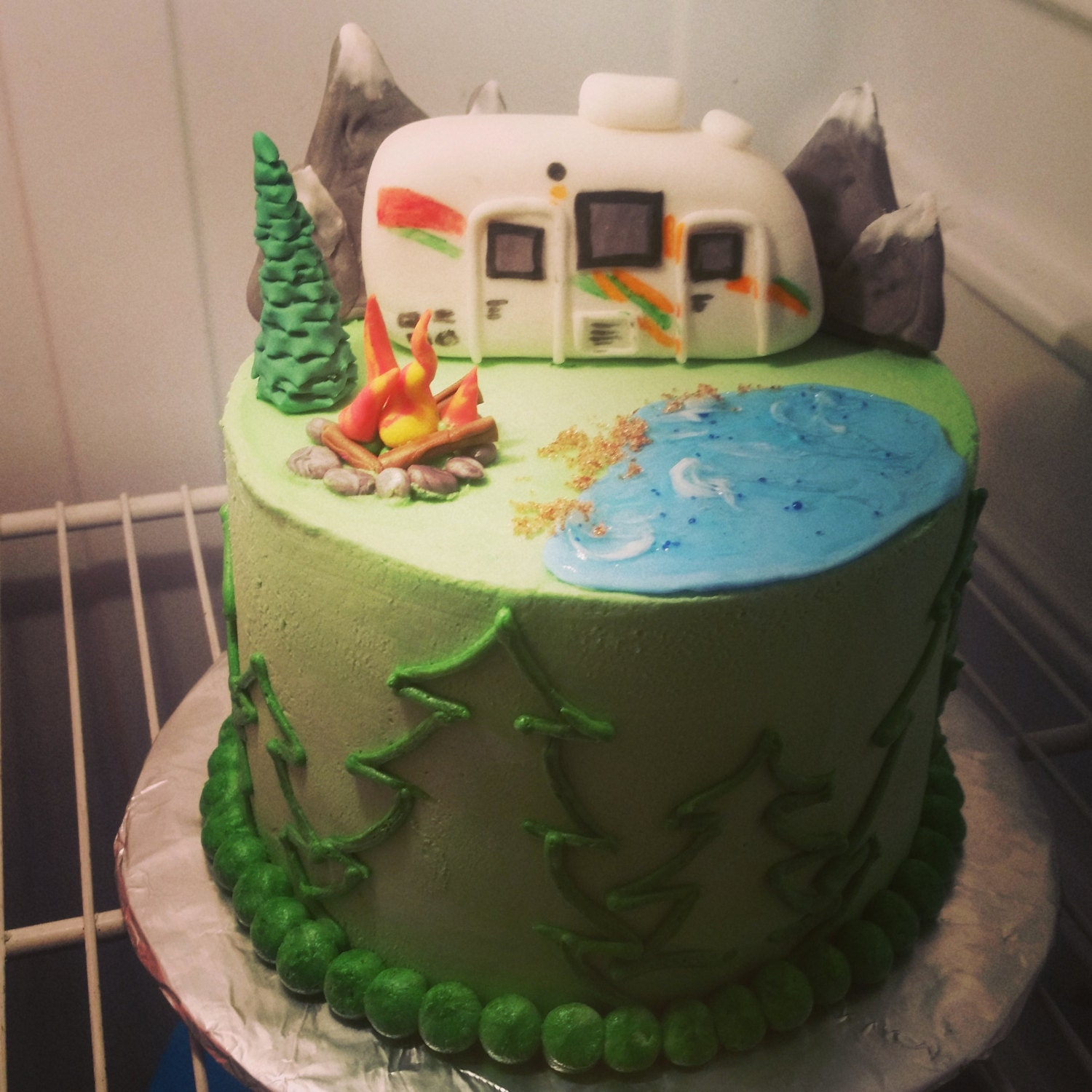 Fantastic Karren39s Specialty Cakes An 80th Birthday In An RV