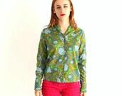 60s vintage paisley shirt . womens button down shirt . Lady Arrow . 1960s clothing women