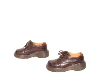 size 5 DOC MARTEN brown leather 80s 90s PLATFORM oxford lace up booties