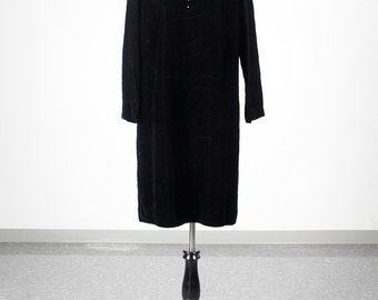 Five dollar clearance! Vintage Miss Elliette black velvet dress with rhinestone collar - size M/L