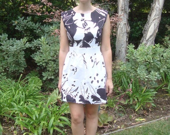 Vintage California Select Originals Graphic Floral Sun Dress S