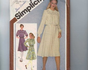 1980s Vintage Sewing Pattern Simplicity 9767 Misses Lace Yoked Dress Size 10 Bust 32 1/2 1980 80s