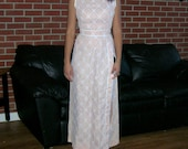 Vintage Nude Illusion Lace Sheath Party Dress 60s High Slit Lace Evening Gown