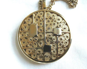 Vintage Modernist Style Round Medallion Pendant Necklace by Sarah Coventry