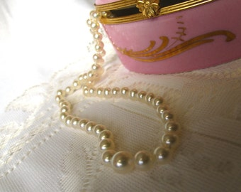 SALE,Beautiful GRADUATED PEARL Choker,Classic Traditional Cultured Pearl Necklace,Pearl Fashion Jewelry,Wedding Jewelry,Bridal Necklace,9349
