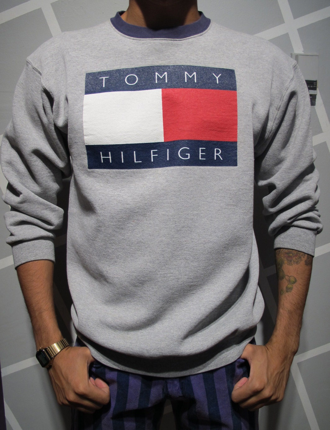 vintage 90s tommy hilfiger crewneck sweatshirt size xl. Black Bedroom Furniture Sets. Home Design Ideas