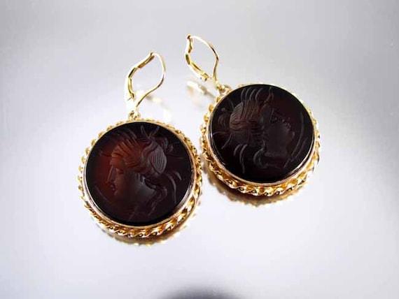 Antique Victorian 14k gold medusa sardonyx hardstone intaglio cameo black onyx earrings