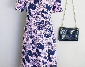 1970s Vintage Dress - 70s Day Dress - Mod Style - Op Art - Navy Blue Pink Pattern - Double Knit Sheath A Line - Secretary Dress -  34 Bust
