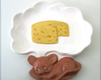 Vintage Cheese Plate with Dreaming Mouse
