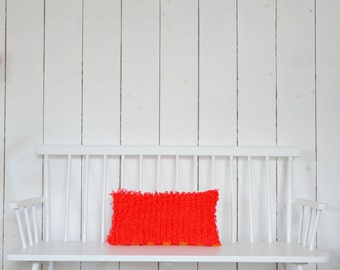 wood & wool loop pillow