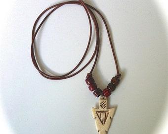 Mens Arrowhead Necklace, Leather Tribal Necklace, Unisex Necklace, Carved Bone Arrowhead, Southwestern Boho Jewelry