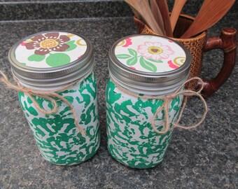 Green Spongeware Mason Jar Storage, Mason Jars, painted mason jars, mason jar vases, kitchen decor
