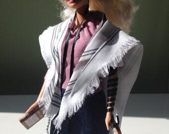 Tefillin Barbie, blonde hair, white skin, & free worldwide shipping
