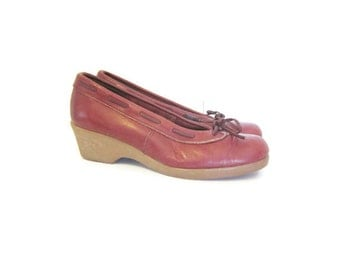 vintage slip on loafers, wedge heel , Oxblood Leather Shoes, Size 6 1/2