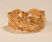 Vintage 1960s Trifari Bracelet - Gold Toned Fashions 1970s