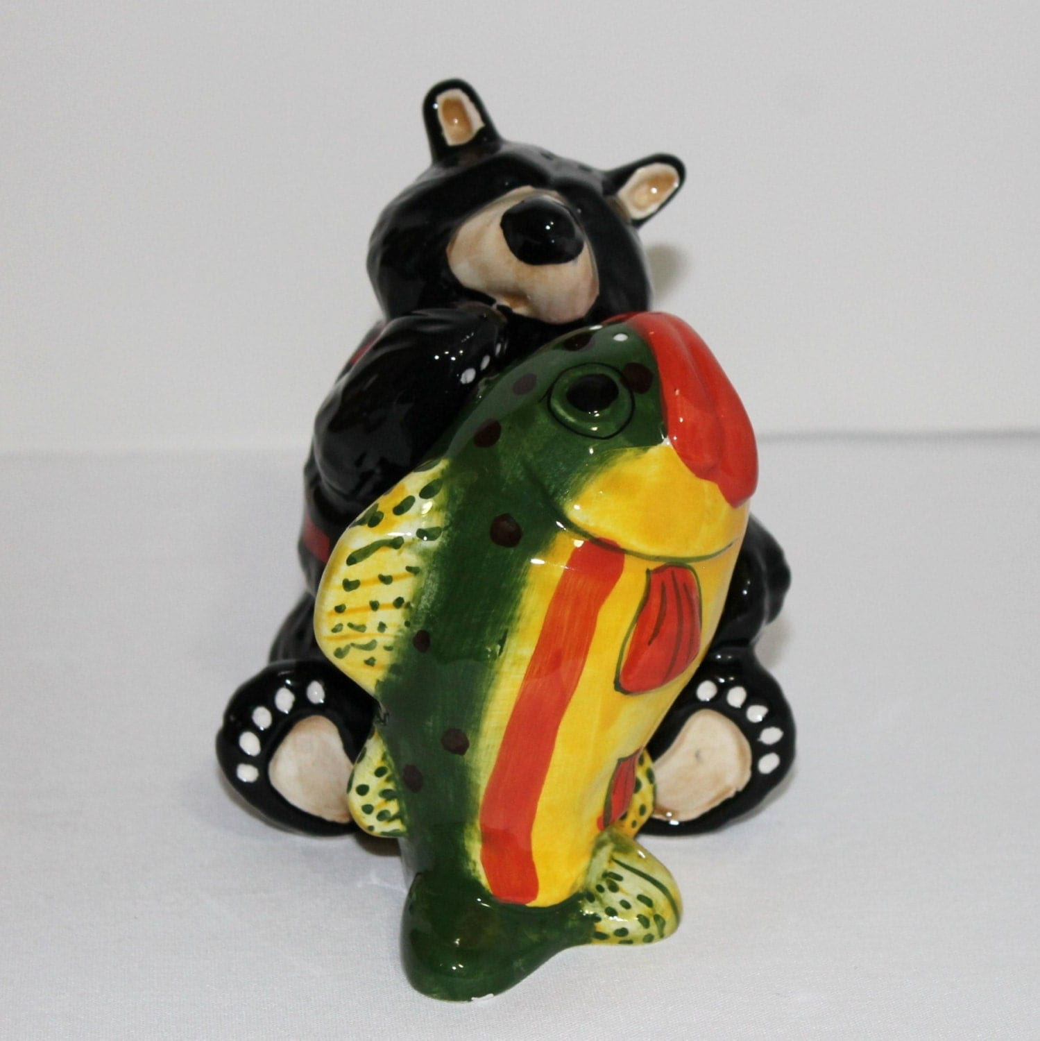Vintage Black Bear And Fish Salt And Pepper Shakers Item