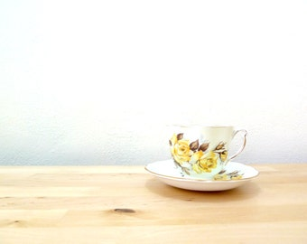 Vintage Colclough Teacups / Yellow Rose Cups / Teacup and Saucer Set / 50s Teacup / Country Cottage Decor