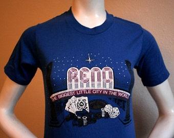 1982 Reno Nevada gambling casino poker roulette destination travel blue fitted long t-shirt - women's sz XS/S