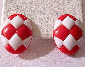 Red White Diamond Pierced Earrings Silver Tone Vintage Avon Oval Discs Lucite Cutout Pattern Buttons