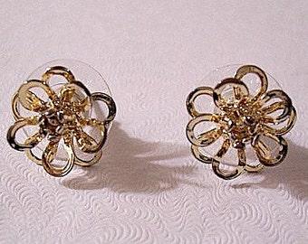 Flower Petal Stud Pierced Earrings Gold Tone Vintage Open Scallop Loops