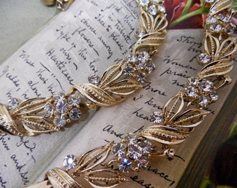 LISNER Rhinestone Flower Necklace & Bracelet Set