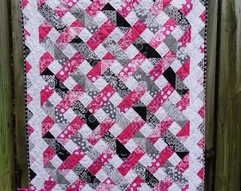 Baby Quilt | Pink, Gray & Black Quilt Tri-colored Lattice Quilt for Toddler Bed/Small Throw - weaved pattern of pink, gray and black fabrics