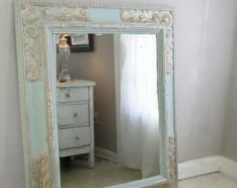 B A R O U Q U E  Vanity Mirror