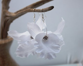 White Orchid Earrings Flower Earrings Floral Earrings White Earrings Shell Earrings White Flowers Hawaiian Jewelry Hawaii Jewelry Bridal 123
