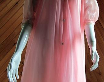 1960s Pink Peignoir Set   Vintage Lingerie   1960s Lingerie   1950s Lingerie   Chiffon Nightgown   Vintage Negligee   Sexy Lingerie   Pin Up